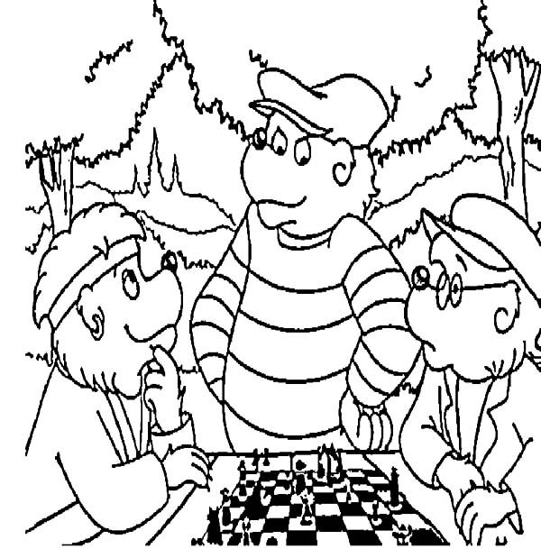 Berenstain Bear, : Papa Berenstain Bear Play Chess with His Friend Coloring Pages